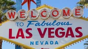 Benvenuto allo zoom favoloso del segno di Las Vegas stock footage