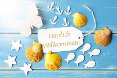 Benvenuto di mezzi di Sunny Summer Greeting Card With Willkommen Fotografia Stock