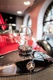 Benz της Mercedes έμβλημα αυτοκινήτων στοκ εικόνα