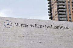 Benz της Mercedes εβδομάδα μόδας στο Lincoln Center Στοκ εικόνα με δικαίωμα ελεύθερης χρήσης