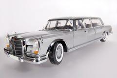 Benz 600 van Mercedes het stuk speelgoed van de metaalschaal auto wideangel stock afbeeldingen