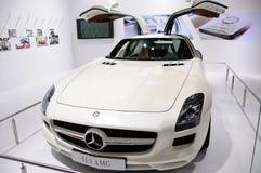 Benz blanc SLS AMG de Mercedes Photos libres de droits
