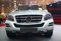 Benz M-Class Мерседес на автоматическом экспо 2011 мира стоковые изображения rf