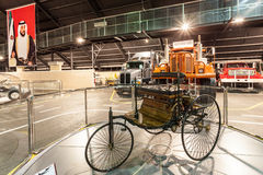 Benz Patent Motor Car på emiratautomatiskmuseet Arkivbilder