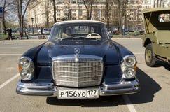 Benz retro de Mercedes del coche Imagenes de archivo