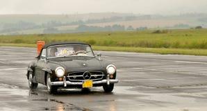 Benz 190 SL Мерседес - тест скорости Стоковое фото RF