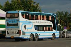 Benz Super Travelgo Bus van Viriya-reisbedrijf Stock Foto