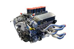Benzin getankter Kraftfahrzeugmotor lizenzfreies stockfoto