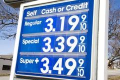 Benzin-Preis lizenzfreie stockbilder