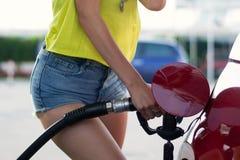 Benzinemeisje Stock Afbeeldingen