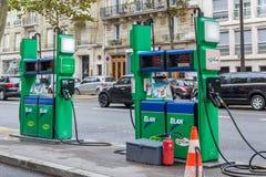 Benzinestation in Parijs Stock Foto