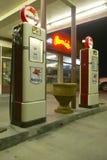 Benzinestation van Mobil van Ernie het Oude stock fotografie