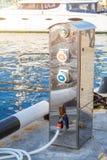 Benzinestation voor schepen en boten op de haven royalty-vrije stock afbeelding