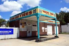 Benzinestation in Ybor Stad, Florida Stock Foto