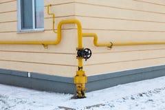 Benzynowa drymba na budynku fotografia stock