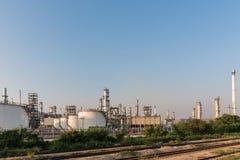 Benzynowego zbiornika oleju zakład petrochemiczny Zdjęcie Stock