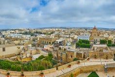 Beobachten Sie die Gozo-Insel von Rabat-Festung, Victoria, Malta lizenzfreie stockfotos