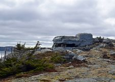 Beobachtungsbunker entlang der Vater-Troy-` s Spur in Neufundland Kanada, nahe Flatrock lizenzfreies stockbild