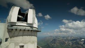 Beobachtungsstelle Pyrenäen Frankreich Pic DU Midi stock video footage