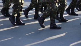 Bepaalde Militaire Laarzen Maart stock video