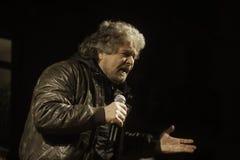 Beppe Grillo, pendant un rassemblement d'élection Images libres de droits