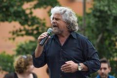 Beppe Grillo talar i bolognaen M5S Royaltyfri Foto