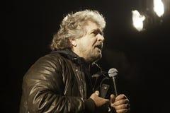 Beppe Grillo under ett val samlar Arkivfoton