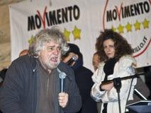 Beppe Grillo verärgert, schreiend, auf Stadium, Lizenzfreies Stockfoto