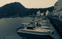 Beppu hamn med fartyg i aftonen Beppu Oita prefektur, Japan, Asien royaltyfria foton