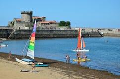 Bequeme Bucht von Ciboure in der Atlantikküste Lizenzfreie Stockfotos