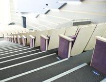 Bequeme Sitze im Theater stockfotografie