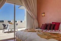 Bequemes Hotelzimmer Stockbild