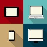 Beräknande begrepp på olika elektroniska apparater. Royaltyfri Bild