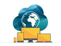 Beräknande tecken för färgrikt skinande geometriskt moln med jordklotet och digitala apparater begrepp isolerad teknologiwhite Royaltyfri Bild