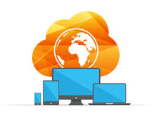 Beräknande tecken för färgrikt skinande geometriskt moln med jordklotet och digitala apparater begrepp isolerad teknologiwhite Royaltyfri Fotografi