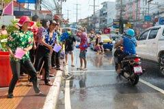 Beröm av den Songkran festivalen, det thailändska nya året på Phuket Royaltyfria Foton