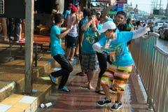 Beröm av den Songkran festivalen, det thailändska nya året på Phuket Arkivfoton