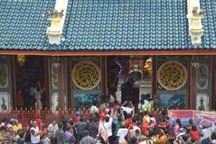 Beröm av det kinesiska nya året i den Semarang staden Arkivfoto