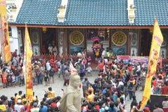 Beröm av det kinesiska nya året i den Semarang staden Arkivbild