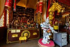 Beröm av det kinesiska nya året i templet Saphan Hin Royaltyfri Foto