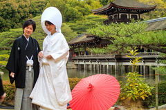 Beröm av ett typisk bröllop i Japan Royaltyfri Bild