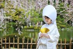 Beröm av ett typisk bröllop i Japan Arkivbild