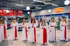 Beröm av helgonet Lucy i Sverige royaltyfri bild