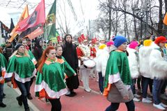 Beröm för dag för St Patrick ` s i Moskva Arkivbilder