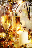 Beröm för nytt år med champagne Royaltyfri Foto