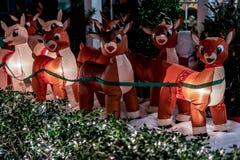 BERÖM FLORIDA, USA - DECEMBER, 2018: Jul dekorerat hus på berömstaden Front House Adorned med jul royaltyfri fotografi