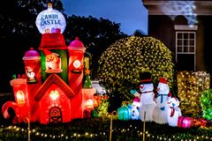 BERÖM FLORIDA, USA - DECEMBER, 2018: Jul dekorerat hus på berömstaden royaltyfri bild