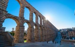 Berömd akvedukt i Segovia, Spanien royaltyfri bild