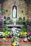Berömd Bernadette grot nära beskickninghuset i Sankt Wendel Royaltyfri Fotografi