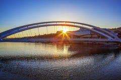 Berömd bro i Lyon på solnedgången Royaltyfria Bilder